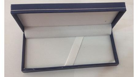 蓝色皮盒、宝珠笔盒、钢笔盒