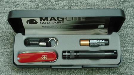 维氏瑞士军刀、手电筒