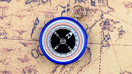 谢菲德 户外探险阻尼油罗盘指南针车载登山多色指北针