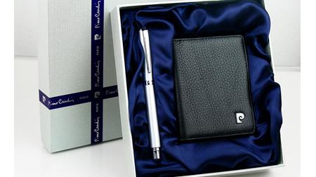皮尔卡丹银色极光宝珠笔、名片包礼盒装