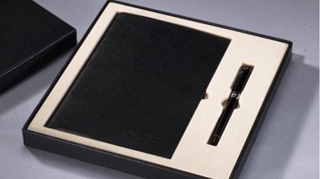 仿超纤牛皮纹商务平装笔记本、金属签字笔