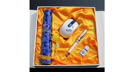 青花瓷四件套(真瓷笔+鼠标+8GU盘+绸缎鼠标垫)