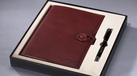 仿超纤牛皮纹商务活页笔记本、金属签字笔