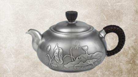 荷趣银茶壶